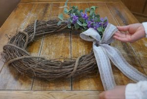 how to make a natural spring wreath